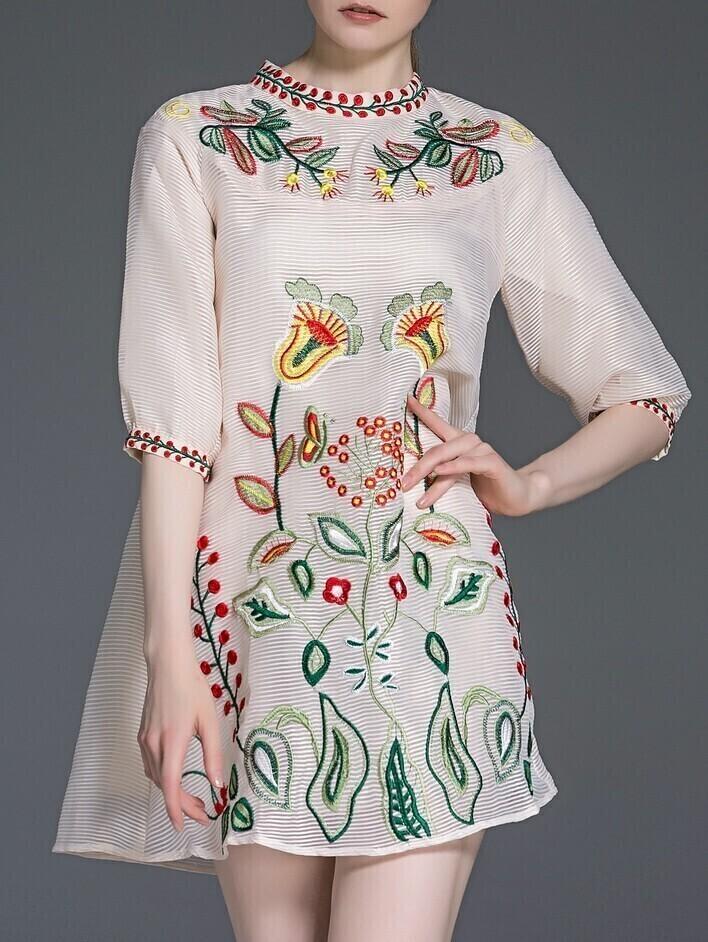 Платье органза с вышивкой 60