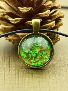 Green Vintage Flower Pattern Round Pendant Necklace For Women
