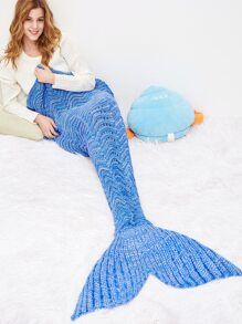 Sky Blue Wave Modelling Fish Dail Blanket