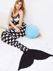 Black Contrast Heart Print Crochet Knitted Mermaid Blanket