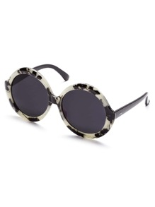 Black And White Frame Round Design Sunglasses