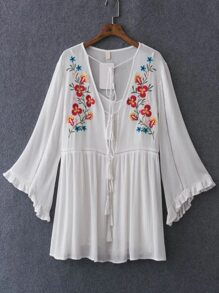 White Flower Embroided Bell Sleeve Tassel Tie Dress With Cami Top