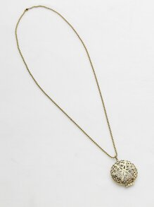 Hollow Out Pendant Necklace