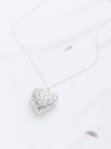 Hollow Out Heart Pendant Necklace