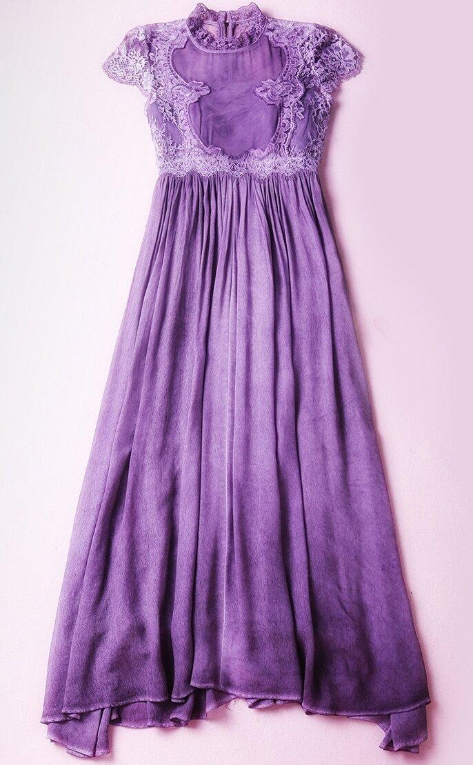 maxikleid kurzarm mit spitze besetzt violett emmacloth. Black Bedroom Furniture Sets. Home Design Ideas